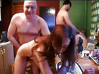 성숙한 난교 섹스