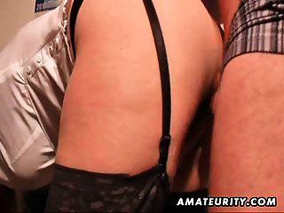 busty amateur milf는 부츠에 질내 사정을하고 짜증을냅니다.
