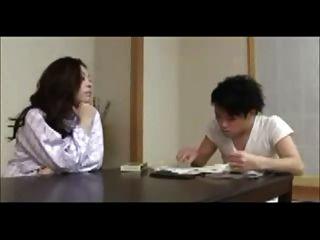 일본 엄마 기차 젊은 남자