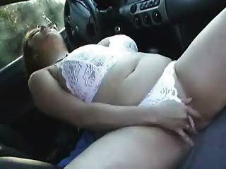 그녀의 차에 busty bbw 소녀 클레어 cums