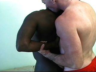 검은 아빠에 하얀 아빠