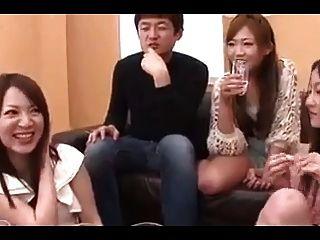 5 명의 일본 여자들은 정액과 정액을 빨아 먹는다 (무수정)