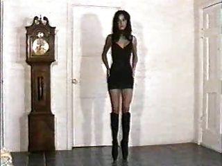 발레 부츠의 노예 소녀