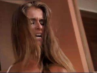 네브라스카 네사 악마 플러스 뜨거운 금발 머리와 갈색 머리 네 개