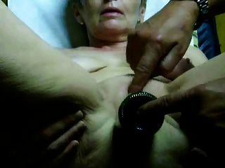 아주 뜨거운 할머니 오르가슴