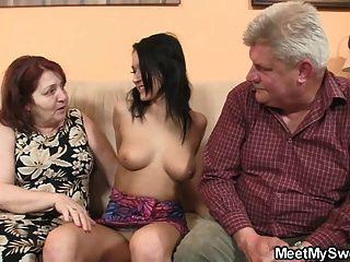 오래 된 부모와 그녀의 bf 빌어 먹을 나쁜 여자