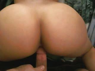 그녀의 엉덩이를 보여주는, 뒤에서 좆되는