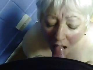내 옛 숙모의 입에 cumming !!