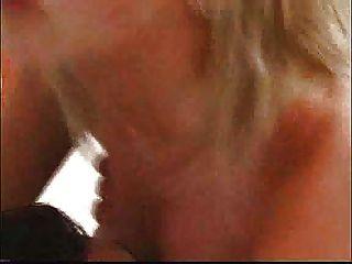 유로 블론디가 엉덩이에 깊이 박혀 ... f70