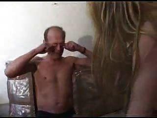 더러운 늙은이가 snahbrandy에 의해 젊은 금발을 성교