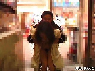뜨거운 일본 사춘기 전시회 및 야외 섹스 가져옵니다.