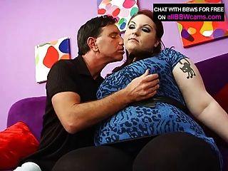 거대한 가슴과 뚱뚱한 엉덩이와 bbw 붉은 머리 섹스 파트 1