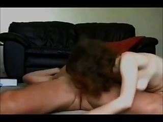 아마추어 아내가 수제 섹스 테이프에 좆된다.