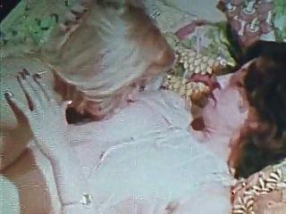 빈티지 골드 스페셜 에디션 소녀 5 장면 2 레즈비언 장면
