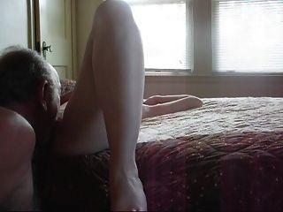 나의 여주인은 좋은 씨발이 필요했다.