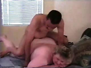 내 뚱뚱한 성숙한 아내 엉덩이가 더 젊은 검은 황소