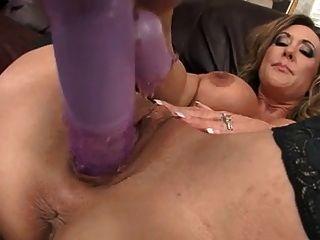 뜨거운 milf 브랜디 사랑 그녀의 음부 거즈