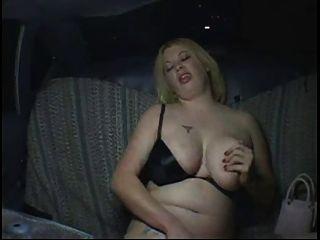 흥분 지방 뚱뚱한 파티 소녀 택시 택시, p2에서 자위