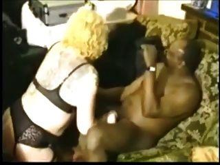 백인 흑인 커플과 흑인 남성 (편집자)