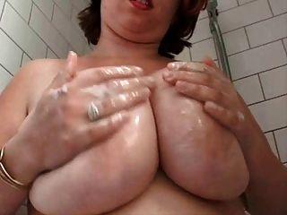 샤워에 뚱뚱한 털이 아내