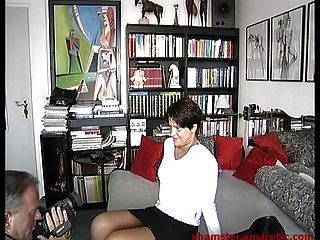 포르노 제작에 미니 \u0026 부츠의 거리 소녀를 유인합니다.