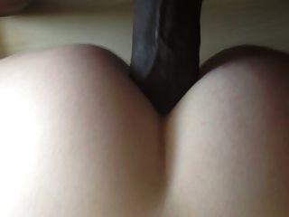 그녀의 엉덩이에 milf 사랑 bbc