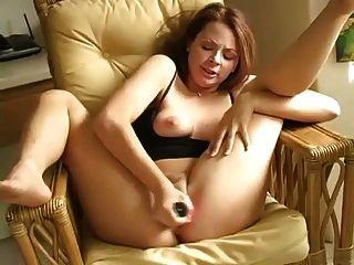 놀라운 오르가즘 분출 마우라가 돌아옵니다!간수