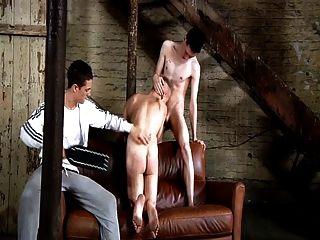 bdsm 노예 게이 소년은 schwule 정을 날려해야합니다