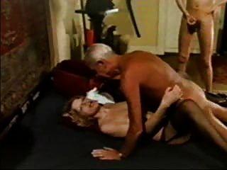 노인 .... 그랜드 아빠 진 빌로이 섹시한 베이비
