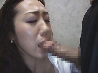 엘리베이터 3의 일본인 아가씨