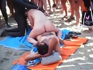 뱃사공 해변 그룹의 섹스가 모두 앞에서.