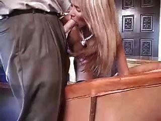 섹시한 아마추어 아내가 거시기와 놀고