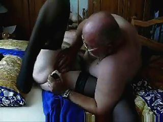 장난 삼아 매춘부 할머니의 비디오를 도난당했습니다.아마추어