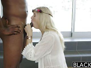 흑인 금발 Addison 벨기에 squirts 거대한 검은 거시기에!