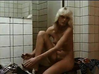 샤워에 털이 많은 여자들