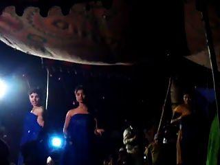 인도 소녀 무대 댄스