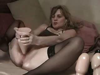 더러운 창녀가 snahbrandy에 의해 캠에 엉덩이에 큰 플러그 걸립니다