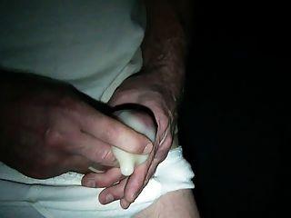 콘돔에 거대한 부하 중 하나를 쏘고 (특별 요청)