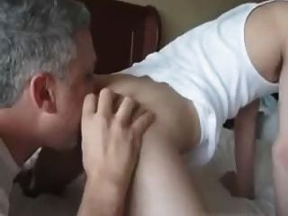 수탉을 핥는 엉덩이 2 아빠 1 소년을 rimming