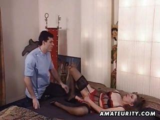 성숙한 아마추어 아내가 그녀의 엉덩이를 장난감과 항문 섹스 가져옵니다