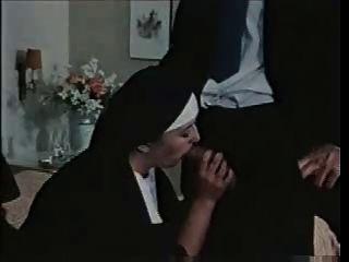 흥분한 수녀