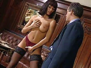 아니타 금발 그녀의 상사를 유혹
