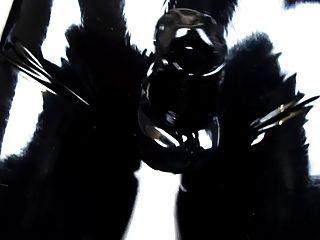 단단한 라텍스 바지와 장갑 착용 (라텍스 비디오 2.0)