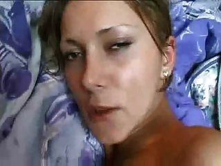 큰 가슴을 가진 수제 섹스 테이프 소녀