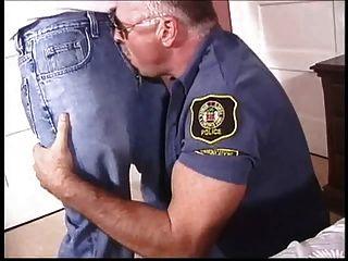 아빠 게이 경찰은 엿먹 거라.