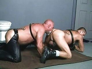 steve hurley \u0026 leather bear 흡연 담배
