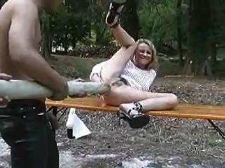 snahbrandy에 의해 숲 fencepost 항문 섹스