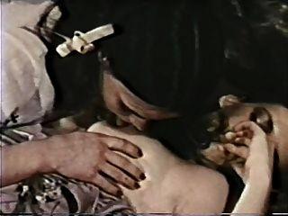 테리 돌란과 안개가 자욱한 나이트 레즈 장면 (1980)
