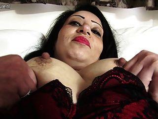 알몸과 장난 꾸러기지고있는 뜨거운 아랍의 영국 엄마