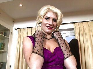 비앙카 레이스 lascivious glamour puss